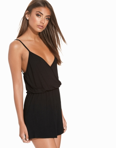 a53951307bd7 NLY Trend Simple Wrap Playsuit Playsuits Svart